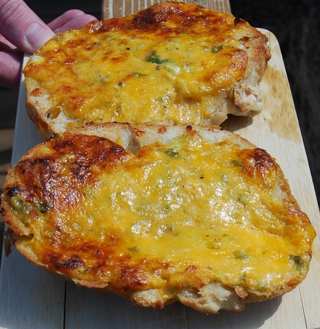 Blissfully Delicious: Cheddar And Scallion Bread