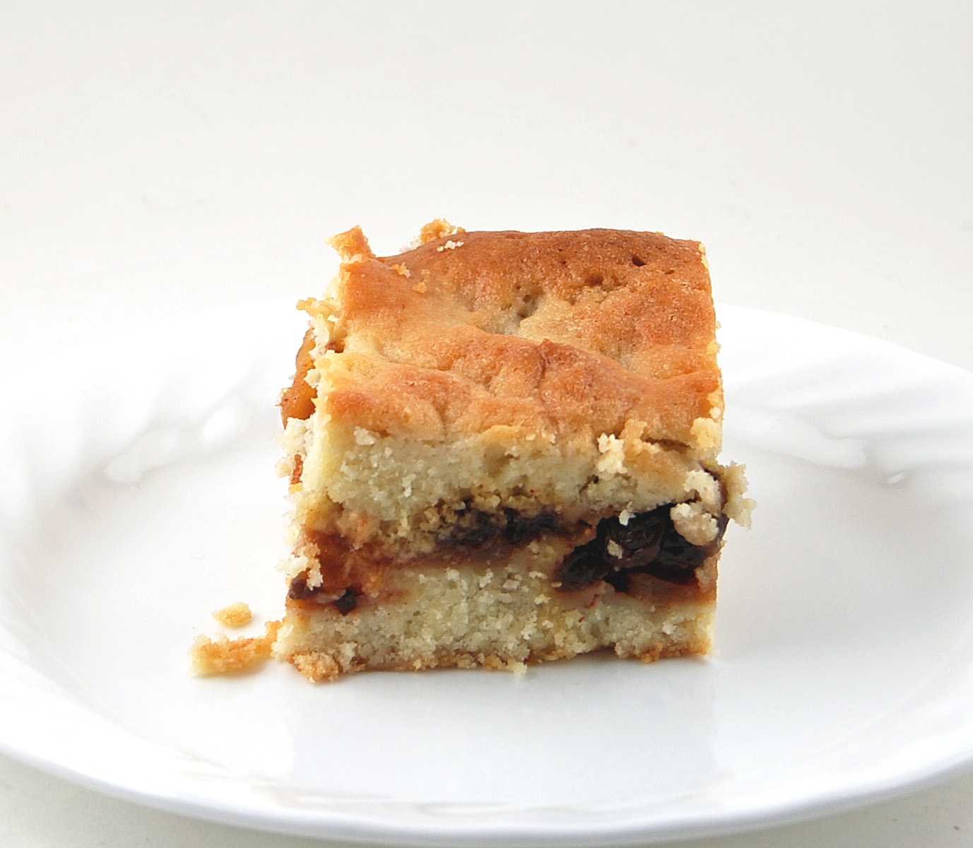 Blissfully Delicious: Russian Grandmothers' Apple Pie-Cake